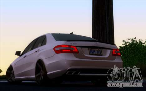 Mercedes-Benz E63 AMG Vossen V1.0 for GTA San Andreas left view