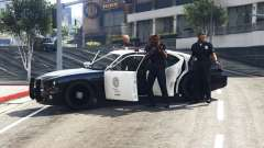 Call the police v0.1 for GTA 5