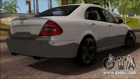 Mercedes-Benz E55 W211 AMG for GTA San Andreas inner view