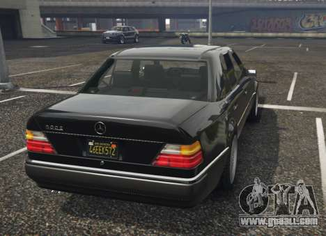 GTA 5 Mercedes-Benz E500 left side view